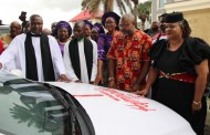Kenneth Ekhuemelo Receives Hymnodia Car Prize In Church Amidst Jubiliation