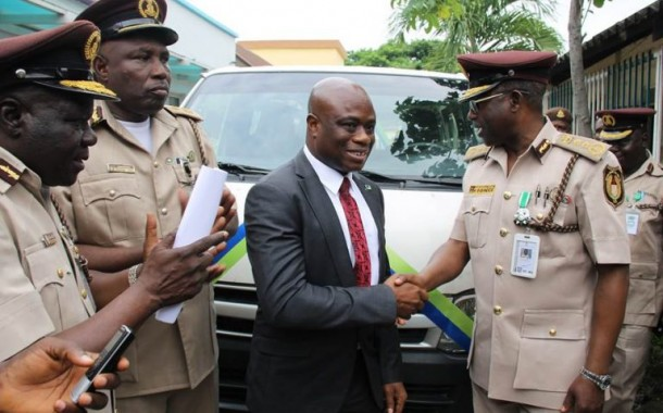 PHOTO NEWS: Fidelity Bank donates 15-Seater Bus to Nigeria Immigration Service