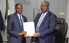 Fowler Thanks Buhari, Hands Over To Abiodun Aina