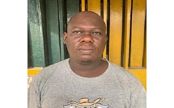 Car wash operator kills neighbour over 'compound gate'